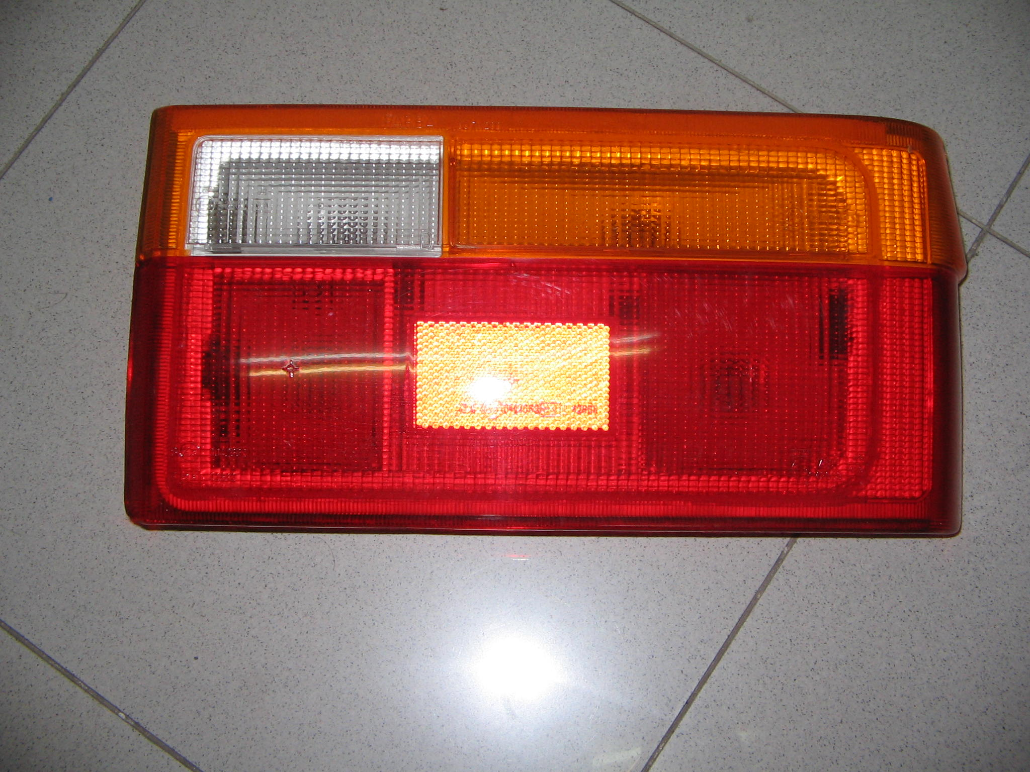 RENAULT  9 FANALINO POST.DX   N.307
